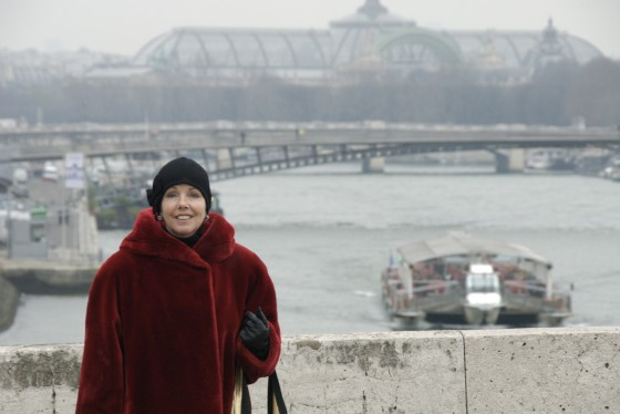 Lady in red, Pont Neuf, Paris